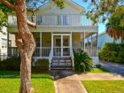Destin, Florida vacation home only one block to beach