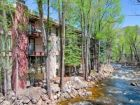 Riverside vacation condo for skiing in Aspen, Colorado