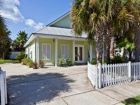 Destin, Florida rental home wiith short walk to beach