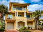 Destin, Florida vacation home with walk to beach