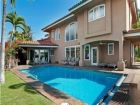 Walk to beach vacation home with pool in Lahaina, Hawaii