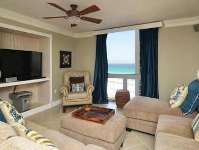 bedroom gulf front condo in destin sleeps 8