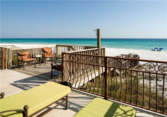 Beachfront Rentals with Chairs