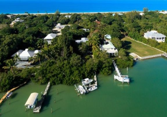 Captiva Rentals on the beach large selection