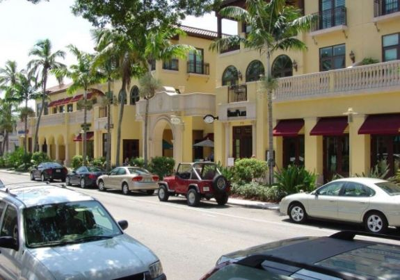 Downtown Marco Island shops and dining