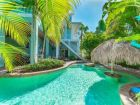 50 STEPS TO BEACH Anna Maria 6 bedroom pool rental