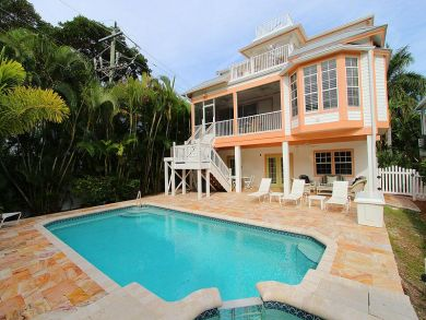 Five Bedroom Captiva Vacation Rental 200ft From Beach