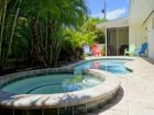 Two Bedroom Island Pool Home 2 Blocks to Beaches
