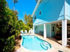 Northern Anna Maria Island Vacation home 1/2 block to beach