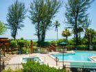 Beach front pool & hot tub in Sanibel Island rental condo