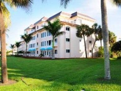 Siesta Key Rental Directly Across Street From Beach