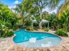 3/2 Bedroom Vacation Cottage with Pool Anna Maria Island