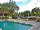 887928-Siesta-Key-Florida-4-bedroom-canal-front-home-sleeps-10-private-pool