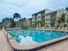 Sanibel-Florida-vacation-condo-community-pool