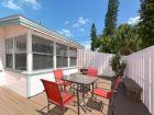 891746-Siesta-Key-Florida-1-bedroom-walk-to-beach-condo-sleeps-4-outside-seating-area