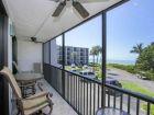 Sanibel-Florida-vacation-rental-condo-outside-seating-area