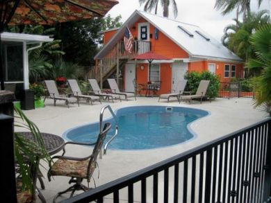 Small Complex In Siesta Key One Bedroom Units That Sleep 4